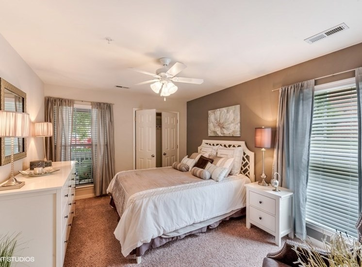 Gorgeous Bedroom Designs With Ceiling Fan at Brittany Commons Apartments, Virginia